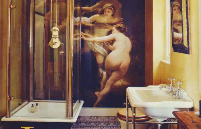 Decadence unbound in this London bathroom