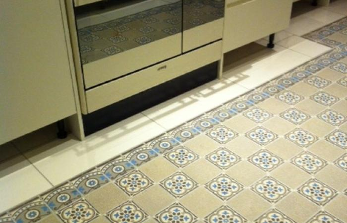A centralised antique ceramic in this North London kitchen