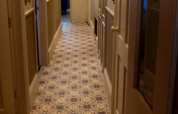 A funky finish in this London entrance hallway